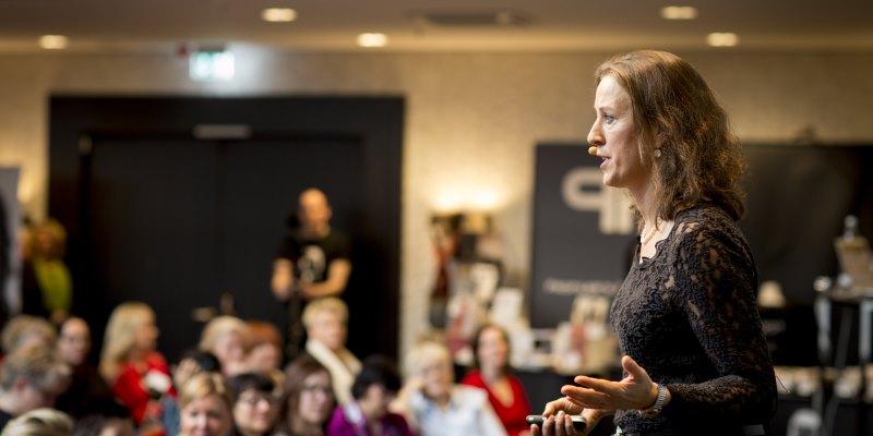 Erfolgstrainerin Antje Heimsoeth - Stutenbissigkeit von Frauen