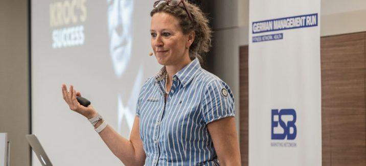 """Antje Heimsoeth hält Vortrag """"Unter Stress einen kühlen Kopf bewahren"""" beim German Management Run in Berlin"""