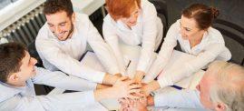 """Erfolgsfaktor Team-Spirit – was das """"Wir-Gefühl"""" ausmacht - Antje Heimsoeth"""